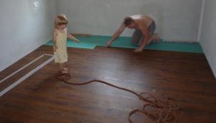ANETA - 33. díl: Položili podlahy a pustili se do malování