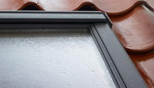 Více pohodlí při mytí střešních oken