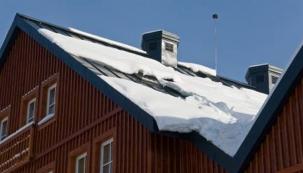 Aby vás sníh na střeše nezaskočil