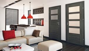 Nebojte se v interiéru kombinovat více modelů dveří z jedné kolekce. Například kolekce rámových dveří Latino je typická výraznými výplněmi, a to plnými a prosklenými v různých kombinacích, které k sobě ladí.  Foto: SEPOS, spol. s r.o.