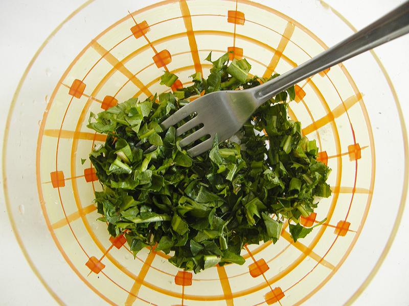 Salát z pampelišek