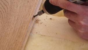Šroubování podlahy na dřevěný rošt