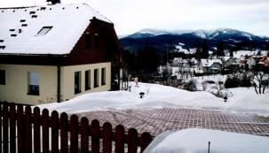 Chodník bez ledu a sněhu je dobrou vizitkou majitele