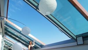 VIDEO: Luxusní posuvné střešní prosklení