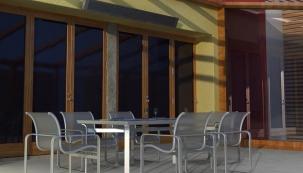 Teplo na jarní terase s panely Ecosun