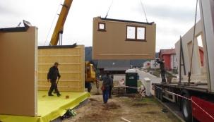 Stavba dřevostavby pod dohledem