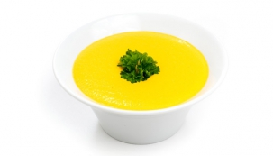 Mrkvová raw polévka s pomerančovou šťávou