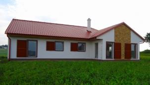 Stavební a projekční společnost MS Haus, s.r.o. se specializuje na dřevostavby s lehkou rámovou konstrukcí s difuzně uzavřeným systémem stěnových panelů.