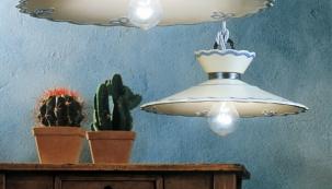 Závěsné lampy z kolekce Raffale, na výběr z 5 typů keramických povrchů a 13 povrchových úprav kovových částí, cena od 2 954 Kč, www.rustikalnilampy.cz