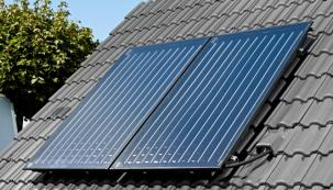 Výkonný plochý kolektor FKC-2 pro účinnou přeměnu sluneční energie na teplo využitelné pro přípravu teplé vody a podporu vytápění.