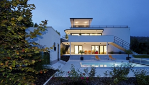 Dům s autentickým funkcionalistickým vzhledem