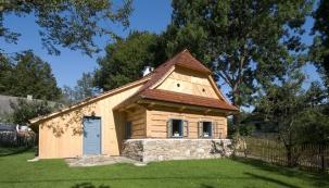 Roubené asrubové domy nabízejí především vysokou tepelnou pohodu danou přirozenými vlastnostmi dřeva.