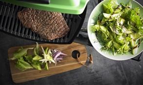 Asijský steakový salát s omáčkou Teriyaki