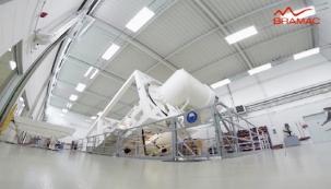 Skupina Monier otevírá dveře do špičkově vybavených laboratoří a je garancí prvotřídní kvality výrobků. (BRAMAC)