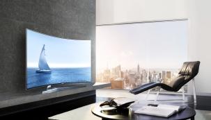Přemýšlíte o koupi nového televizoru a nechcete již příští rok litovat svého výběru kvůli zastaralým technologiím? Vyberte si značku, která je synonymem pro inovace a špičkové technologie. Samsung, který se již více než deset let drží na špičce výrobců televizorů, je správnou volbou.
