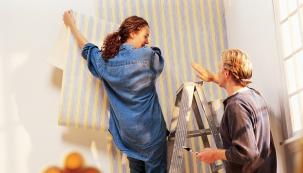 Moderní technologie umí vyrobit tapety s různými vzory, barevnou škálou i typem povrchu.