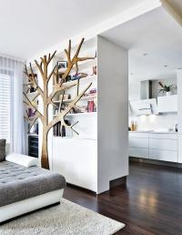 Veškerý úložný nábytek včetně kuchyňské linky byl vyroben namíru podle návrhů designérky Kristiny Prokšové.