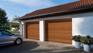Společnost Hörmann rozšiřuje svou nabídku pro ty, kteří si chtějí garážová vrata ve svém domě zabudovat sami. Uvádí na trh unikátní řešení sekčních garážových vrat s pohonem IsoMatic, u nichž je vše podřízeno snadné montáži a praktickému balení pro zákazníky hobbymarketů.