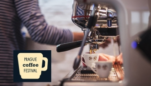 O víkendu 22. a 23. října 2016 proběhne v Kafkově domě v Praze již pátý ročník největšího svátku kávy v ČR i střední Evropě – Prague Coffee Festival 2016. (Foto: Prague Coffee Festival)