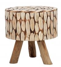 V jeho stylu: Kulatá stolička polepená špalíčky vmoderním stylu, dřevo/bavlna, 43 x 46cm, www.silent-time.cz