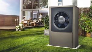 Venkovní jednotka nové generace tepelných čerpadel systému vzduch/voda Logatherm WPL AR disponuje pokročilou invertorovou technologií (BUDERUS)
