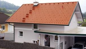 Společnost BRAMAC střešní systémy spol. s. r.o. zaznamenala počátkem února významný úspěch na největším veletrhu v oboru střech v České republice a střední Evropě, veletrhu Střechy Praha 2017. Výrobce se stal vítězem soutěže Zlatá taška 2017. Odbornou porotu zaujala jeho novinka, střešní taška Classic Protector PLUS.