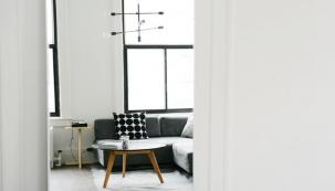 Zájem o hypoteční úvěry na bydlení stále roste. Lidé nechtějí platit nájem a chtějí žít ve vlastním. K tomu jim dopomáhá aktuální situace na hypotečním trhu. Úrokové sazby od roku 2008 výrazně klesly. (Zdroj: Usetreno.cz)