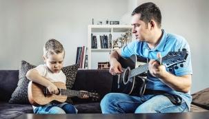 Kdůležitým provozním kritériím rodinného domu akdosažení komfortu bydlení patří iúčinná ochrana proti hluku. Stavební konstrukce proto musí splňovat iakustické parametry.