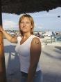 Lenka Buryánková působí jako referentka krizového řízení a požární ochrany na městském úřadě, je dobrovolnou hasičkou. Má ráda mandaly a minerály, věnuje se kreativním činnostem doma i na zahradě.