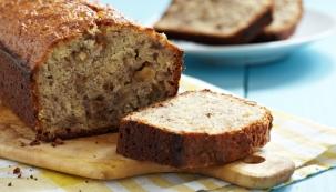 Upečte si podzimní chléb s banány a ořechy (Morphyrichards.cz)