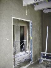 Do obývacího pokoje jsme osadili stavební pouzdro pro posuvné dveře.