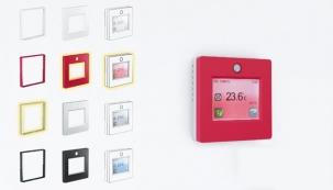 Termostat s dotykovým displejem TFT, navržený speciálně pro ovládání systémů elektrického vytápění, se postupně stal nejprodávanějším termostatem v rámci skupiny FENIX. Nyní je na trhu nová verze, která si zachovala všechny přednosti původního termostatu, tj. velký a přehledný dotykový displej, intuitivní ovládání a univerzálnost pro všechny druhy elektrického vytápění, zcela nový je však skelet termostatu.