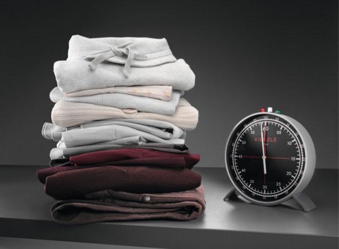 Pokud je pro vás čas nedostatkovou komoditou, zapomeňte na prádelní šňůry a žehlení. Přesvědčíme vás, že sušička za investované peníze rozhodně stojí. Prádlo ze sušičky bude hebké a nadýchané – prakticky bez práce.