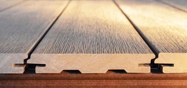 Profil prken společnosti WoodPlastic, který uvedli letos na trh TOP RUSTIC, do sebe velmi precizně zapadá tak, aby vám co nejvíce zjednodušil údržbu terasy.