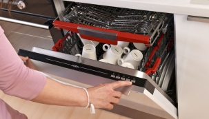Myčky MORA jsou velmi efektivní ve spotřebě energie, mytí a sušení a disponují intuitivním a snadným ovládáním mycích programů.