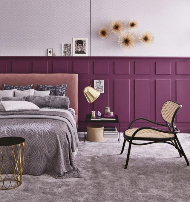 Kombinací starorůžové přes lila, fialovou až pofuchsiovou avínovou se zlatou amosazí vytvoříte znudné ložnice harmonické místo kodpočinku arelaxaci…