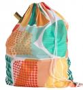 6. Vak na prádlo Snajda lze rychle přeměnit v batoh na přenesení prádla do prádelny, 100% polyester, objem 60l, www.ikea.cz
