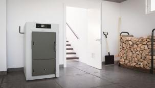 Že je topení dřevem pasé? Viessmann představuje řadu kotlů Vitoligno s dlouhou životností pro moderní a nezávislou domácnost. (Foto: Viessmann)