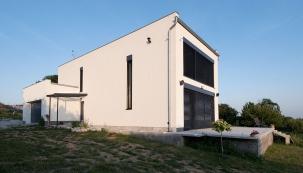 DOM ROKA 2017: I03 Ostrovný dom (Simplelife12.com)