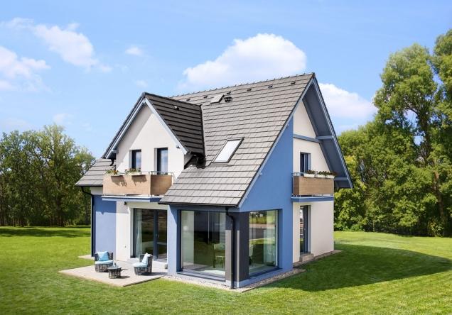 Většina českých stavebníků má zájem o dům střední velikosti pro čtyřčlennou rodinu, se sedlovou střechou, s moderními technologiemi, úsporným provozem a příjemným nadčasovým vzhledem. Zdařilým příkladem, který toto vše nabízí, je dům Romance (CANABA)