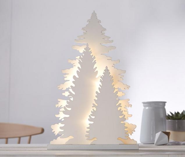Dekorativní stromek s15 LED žárovkami, lakované dřevo, výška 35cm, časovač, www.tchibo.cz