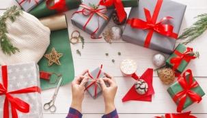 Čas Vánoc se kvapem blíží, tak neváhejte a vybírejte. Nabízíme vám čtyřiadvacet tipů, kterými můžete potěšit dámy, pány i ty nejmenší.