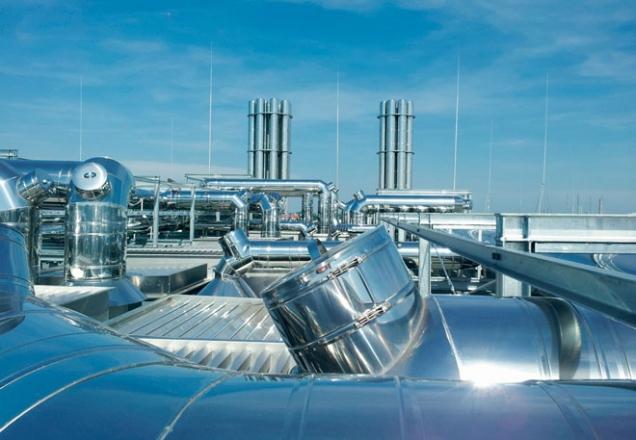 Nerezová produkce zahrnuje i výrobu komínů pro komerční využití (Zdroj: Schiedel)