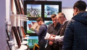 Srdečně Vás zveme k návštěvě 20. ročníku největšího středoevropského veletrhu pro stavbu a renovace střech STŘECHY PRAHA. Uvidíte širokou nabídku střešních materiálů, střešních oken a doplňků, nosných konstrukcí, izolací, fasádních systémů, solárních systémů, nářadí i strojů. Nabídku doplní další vystavovatelé z oblasti úsporného bydlení a světa dřevostaveb. Prezentovat se zde bude bezmála 300 společností.