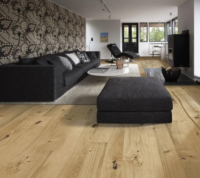 Dřevěná podlaha KÄHRS, Kolekce Linnea Habitat, dekor Dub Village, prodává KPP