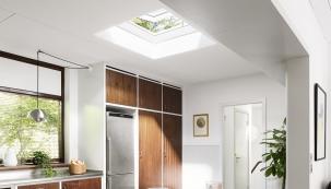 Zasklení světlíku si zachovává svou přitažlivou podobu ačirost neomezeně dlouho, zatímco tvrzený povrch odolává nepříznivým povětrnostním podmínkám akrupobití (VELUX)