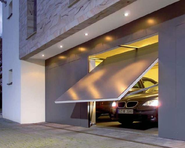 Výklopná garážová vrata Berry snoubí kvalitu skrásným vzhledem. Díky mnohostrannosti motivů lze vyhovět prakticky jakémukoli přání (HÖRMANN)