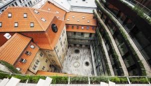 Historické stavby: 1. místo - rekonstrukce zastřešení Schönkirchovského paláce v Praze – Nové Město (Zdroj: TONDACH)