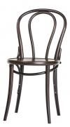V jejím stylu: Ikonická židle soznačením 14 značky Ton se prodává už odroku 1859, ohýbané dřevo, cena 3780Kč, www.ton.cz