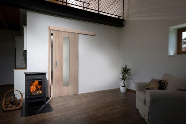 Posuvný systém dveří MASONITE s garnýží pro interiér s omezeným prostorem
